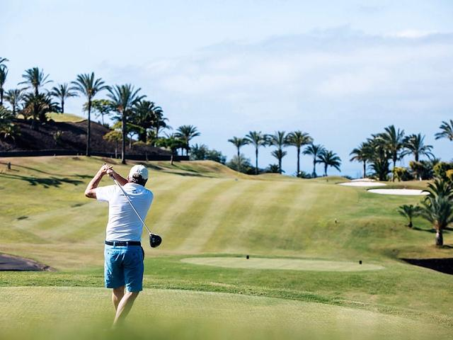 365 days per year of golf? It's possible from your luxury home on Tenerife