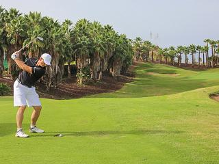 Driving en Abama resort de golf de lujo