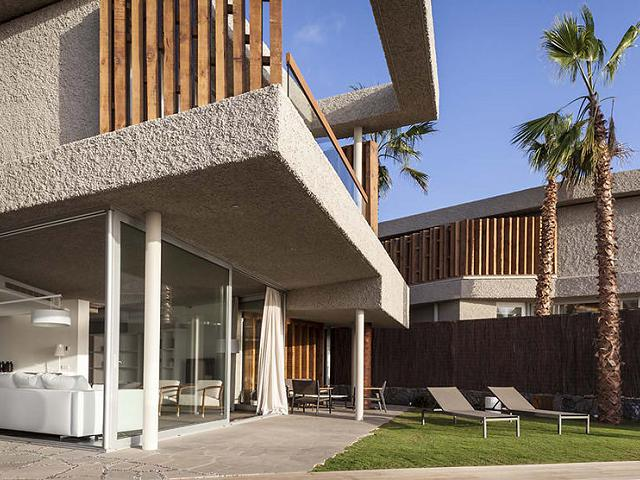 Bellevue and mid-century modern design: exquisite luxury properties in Tenerife