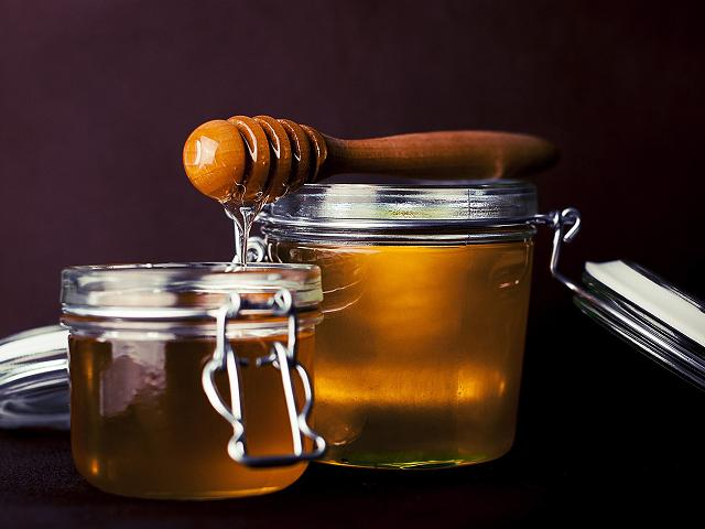 Canary Islands honey, a natural delicacy to enjoy from your luxury home on Tenerife