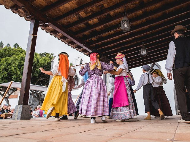 Tajaraste: discover a traditional dance near your house on Tenerife