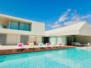 Modern villas & luxurious design