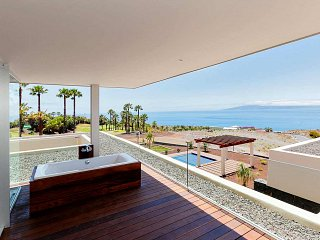 Support Services for Luxury Villas